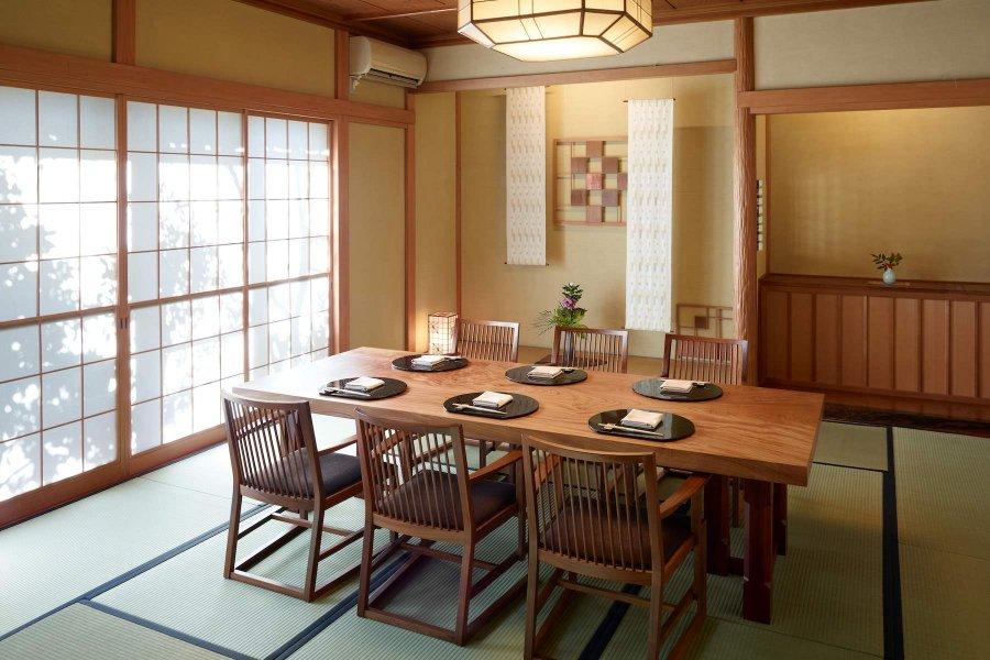 個室食事処「菊の間」