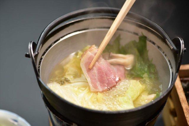 朝食のお鍋ー白菜とベーコンのお鍋